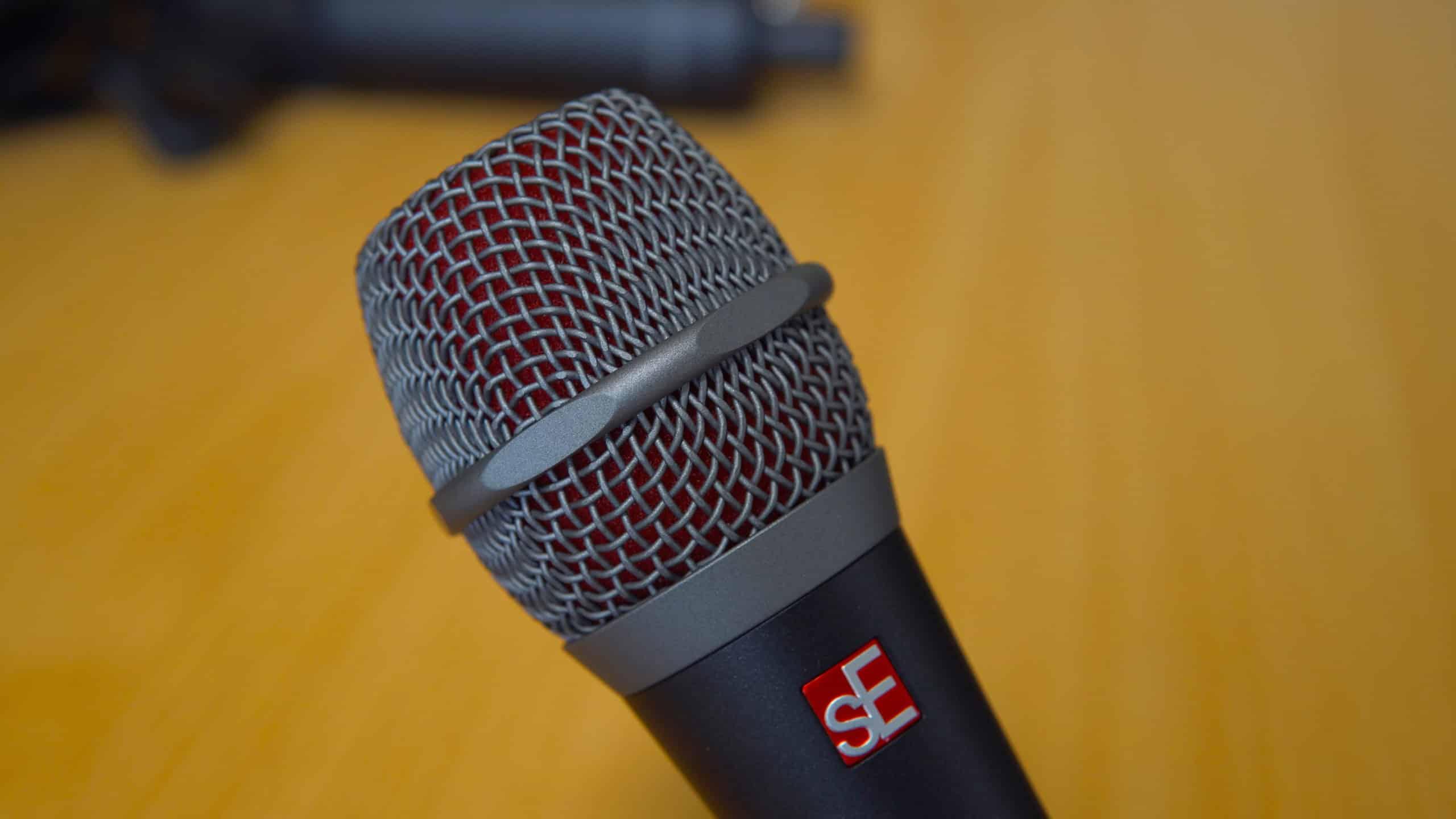sE V7 Dynamic Microphone